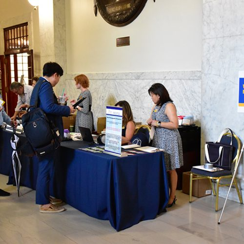 Annual Report 2020 - New Faculty Orientation 2019 Event - Faculty Checking In